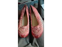 women's new pink flat embellished shoes size 5