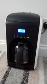 RUSSELL HOBBS FILTER COFFEE MAKER WITH TIMER