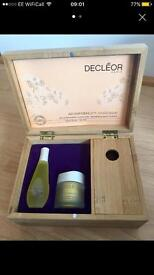 Declēor beauty serums and make up box