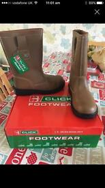 Rigger boots brand new size 5