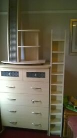 set of draws stand up cd stand and free standing cd init