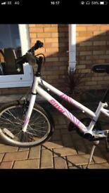 Girls white Apollo bicycle