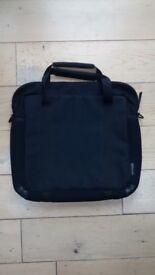 "*** LAPTOP BAG: Targus 15"" bag, padded sides and handles ***"