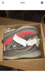 Adidas Yeezy Boost 350 V2 - Size 40EU