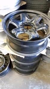 Chevrolet Traverse / Buick Enclave / GMC Acadia OEM rims 6 x 132 / TPMS - $75 each