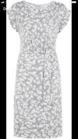 Brand New - Woman Grey and White dress from HOBBS - Size 10 (UK) / 38 (EU) - Never worn - Model IRIS