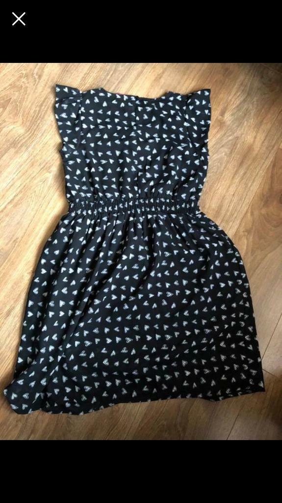 19680506f5 2 x lined girls summer dresses. 1x cardigan. Navy age 11