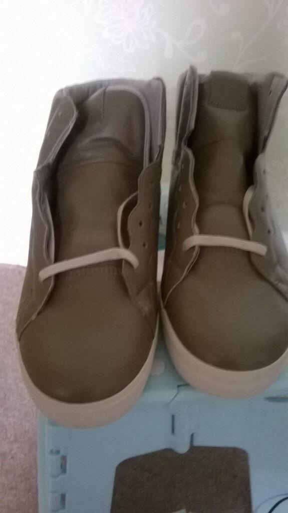 Osiris taupe and cream high shoe UK 10