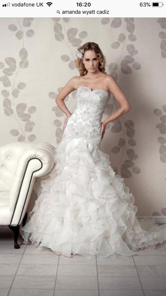 Size 10 12 Amanda Wyatt Wedding Dress