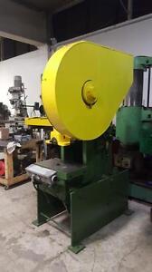 Punch press / poinconneuse Azimut 33 ton