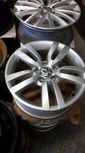"VW Golf Jetta 16"" black /// /// 17"" VW CC / Passat ///  /// 16""/18"" VW Tiguan / 18"" Tuareg OEM alloy rims 5 x 112"