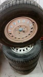 (159) Pneus Hiver - Winter Tires 265-65-17 Kumho 8/32