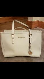 Genuine Brand New Michael Kors Jet Set East/West Large Leather Tote Bag CEMENT New RRP £260