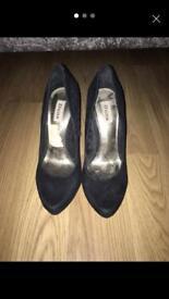 Black Dune Heels