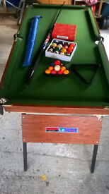 snooker table folding with balls and cue