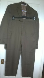 Men costume and trousers, very good condition, size 34