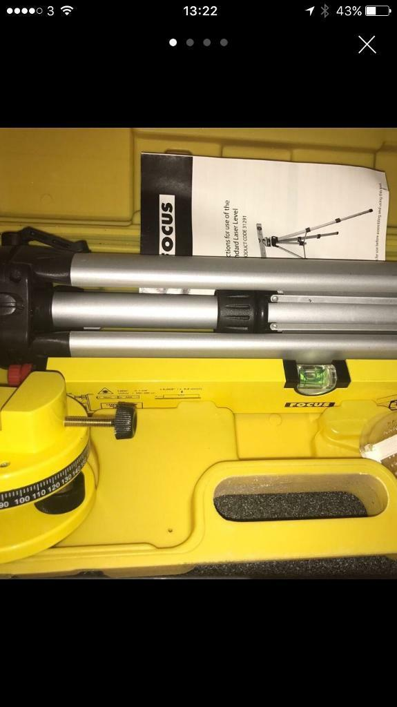 Laser level - Boxed with tripod - nee