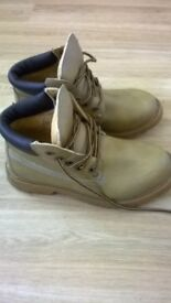 lovely pair of women's boots