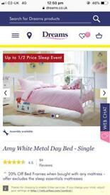 Amy day bed