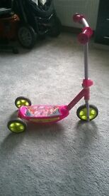 Minnie Mouse Scooter pink, used but good condition for up to 3 years old.