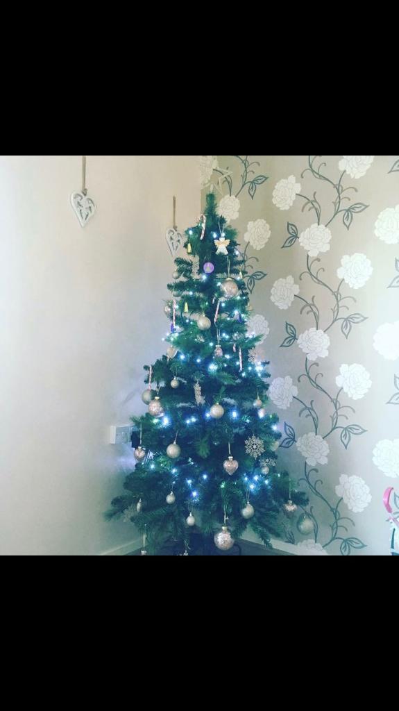 6FT Christmas tree - 6FT Christmas Tree In Marston, Oxfordshire Gumtree