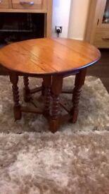 pretty little antique drop leaf coffee/side table