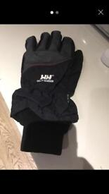 One helly Hansen ski glove