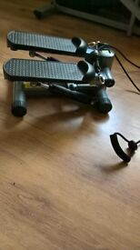 Excerise steppper with resistance bands hardly used