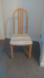 6 LIGHT OAK DINING ROOM CHAIRS EXCELLENT CONDITION £25 each