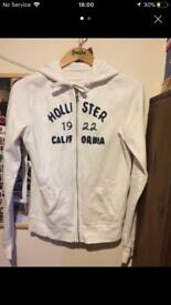 HOLLISTER JUMPER SIZE LARGE