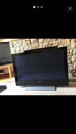 Pioneer Tv- 45 inch, works very well, in very good condition, no problems with it at all.