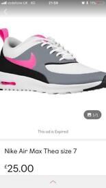 Women's Nike Thea