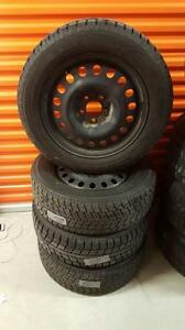(48) Pneus d'Hiver - Winter Tires 215-60-17 Toyo