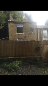 End terrace house to let 3 bedroom hd6.