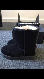 Emu child's boots
