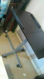 Bed table / lap top table