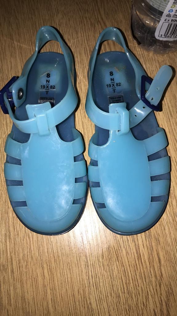 fe9f39298f5a Boys light up jelly shoes size 8 infants