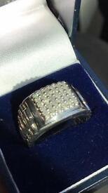 Men's 9 Ct White gold & diamond ring in size R