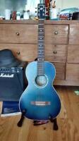 Art & Lutherie Ami parlor guitar with matching gigbag