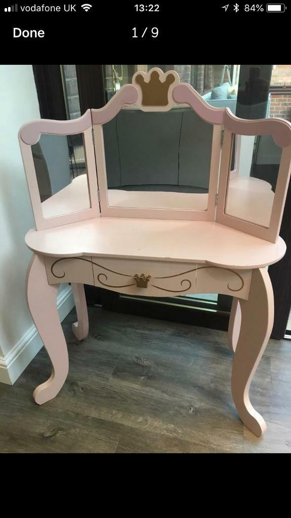 Kidkraft Princess Dressing Table Vanity Unit With Stool In Workington