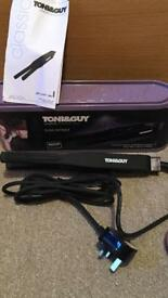 Toni&Guy slim straightener