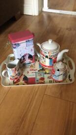 Vintage Kellogg's tea set