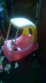 little tykes red and yellow car £ 10