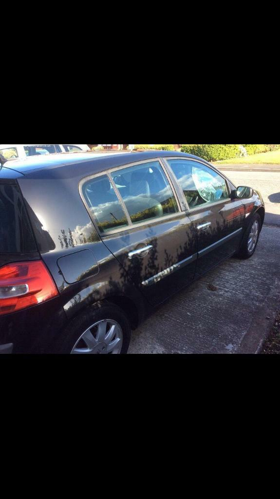 RENAULT MEGANE 1.6 AUTOMATIC 1 OWNER LOW MILES CLEAN DRIVES GREAT FIRST CAR CHEAP INSURANCE