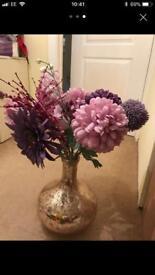 2 vases Identical