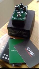 MXR carbon copy analog guitar pedal