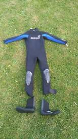 Kids wetsuit and boots