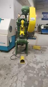 Punch press / poinconneuse Niagara 23 ton
