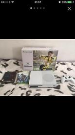 Xbox One S (500GB) + 4 Games