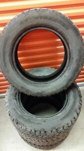 (157) Pneus d'Hiver - Winter Tires 225-60-16 Snowtrakker 8/32